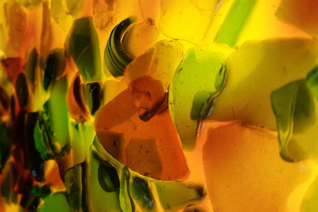 Durch die Beschaffenheit der Teile, ragen die Bilder in den Raum hinein und eröffnen neue Blickwinkel.
